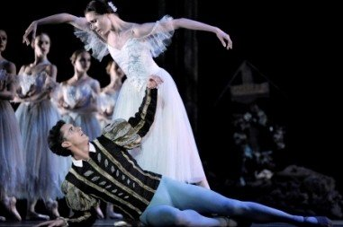 Jenna Roberts as Giselle and Iain Mackay as Albrecht. Photo Roy Smiljanic