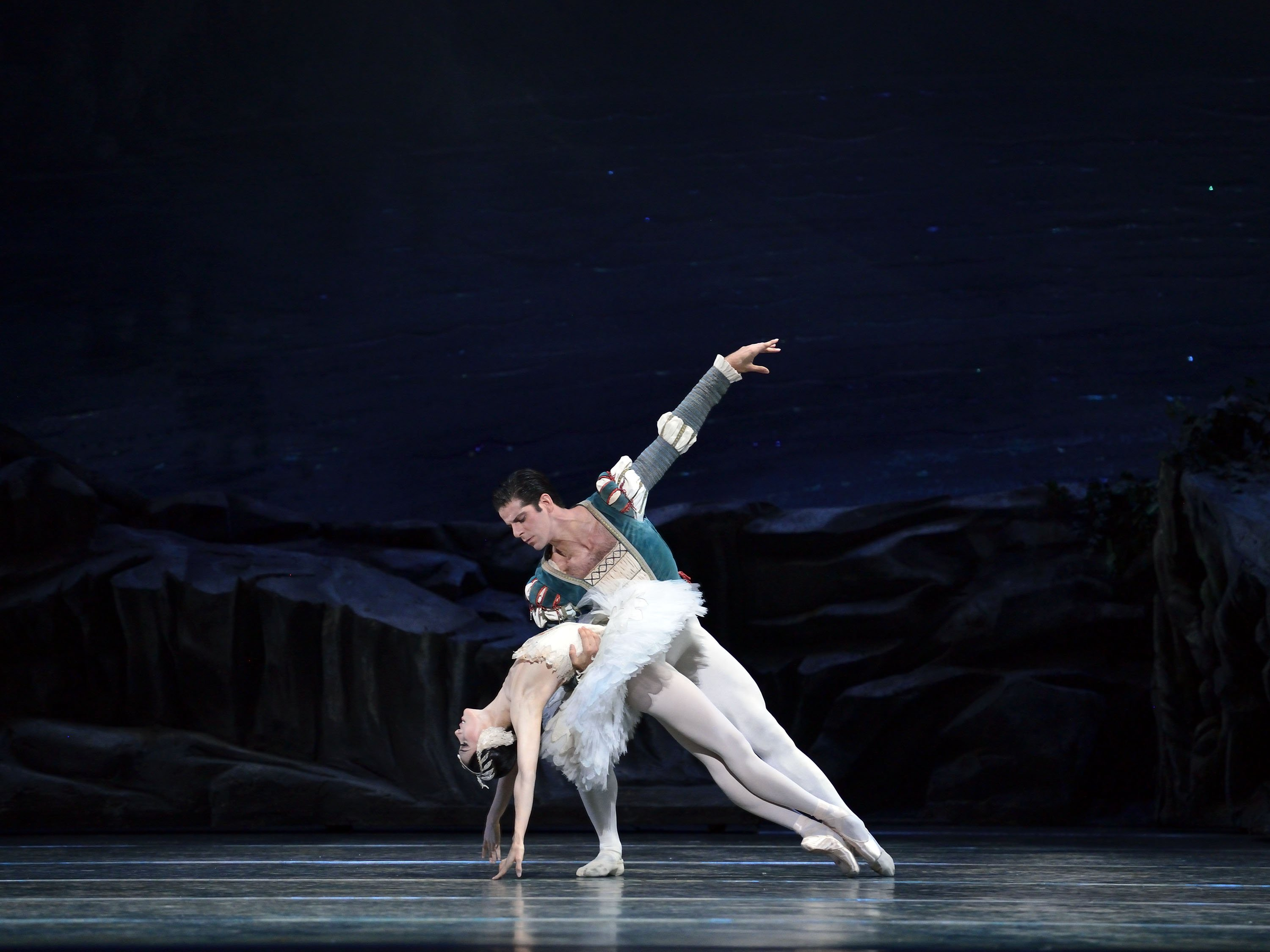 "American Ballet Theatre dancer Hee Seo, here with Marcelo Gomes in ""Swan Lake"" Photo by Gene Schiavone"