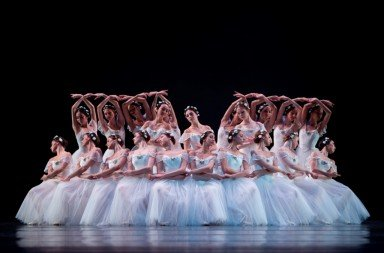 Dutch National Ballet in 'Les Sylphides'. Photo © Angela Sterling 3