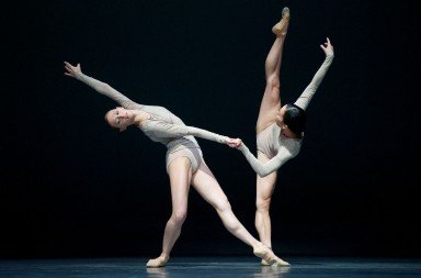 "Sarah Van Patten and Frances Chung in ""Borderlands"" Photo © Erik Tomasson"