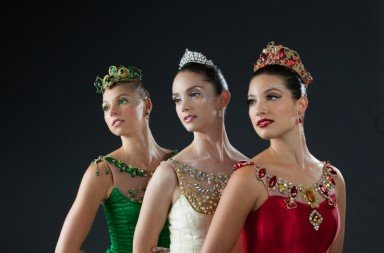 "Lauren Fadely Julie Diana and Lillian Di Piazza in ""Jewels"" Photo © Alexander Iziliaev"