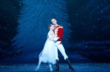 Daria Klimentova and Vadim Muntagirov in English National Ballet's 'The Nutcracker'. Photo © Caroline Holden