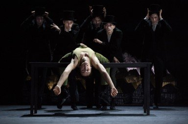 Jan Casier as Woyzeck with dancers of Zurich Ballet. Photo © Judith Schlosser