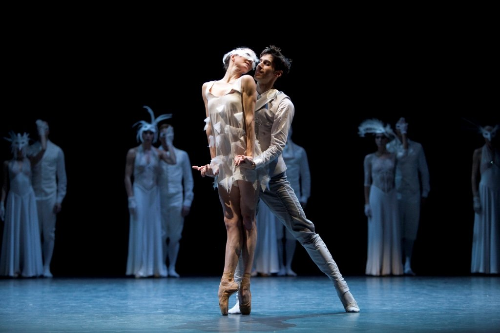 Anja Behrend and Stephan Bourgond in Jean-Christophe Maillot's 'LAC'.  Photo © Angela Sterling
