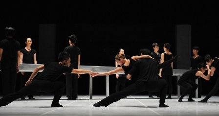 Focus Dance Company in Sang Jijia's 'Sticks'. Photo © Lance Pong