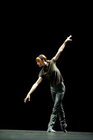 Rearry (01). Sylvie Guillem in William Forsythe's 'Rearray'. Photo © Bill Cooper