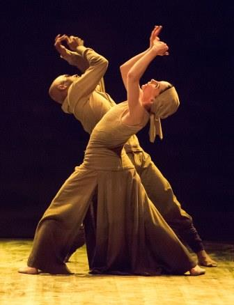 Tamara Rojo and Akram Khan in 'Dust'.  Photo © ASH