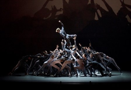 New York City Ballet in 'Les Bosquets'. Photo © Paul Kolnik