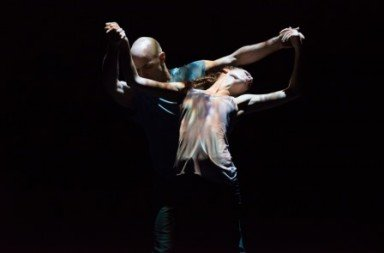 Carys Staton and Russell Maliphant in 'Still Current'.  Photo © Hugo Glendinning