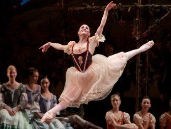 Sarah Lane in Giselle.  Photo © Rosalie O'Connor