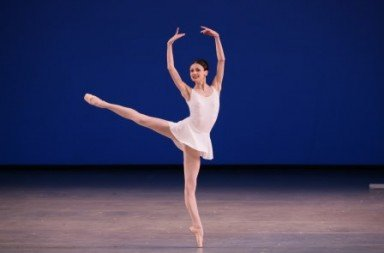 Kristina Shapran in 'Apollo'.  Photo © N.Razina