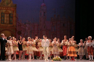 Sascha Radetsky's farewell curtain call with the cast of 'Coppélia' on July 3, 2014. Photo © Kent G. Becker