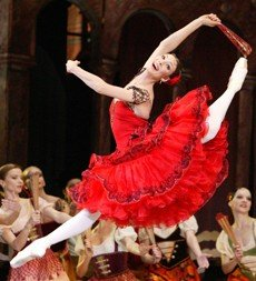 Maria Alexandrova in Bolshoi Ballet's production of 'Don Quixote'.  Photo © Damir Yusupov-Bolshoi Theatre