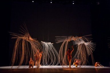 Post:Ballet dancers in 'field the present shifts'.  Photo © Tricia Cronin