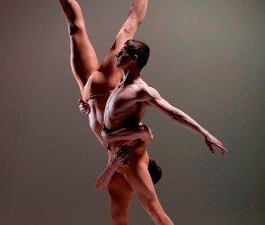 BalletBoyzthe Talent. Ed Pearce and Adam Kirkham in 'Serpent'.  Photo © Hugo Glendinning