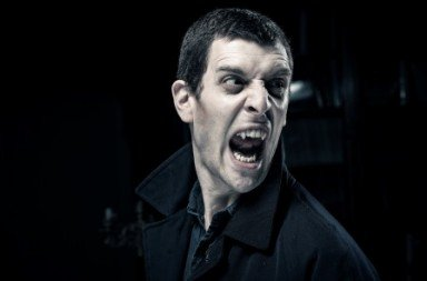 Jonathan Goddard as Dracula.  Photo © Colin Hawkins