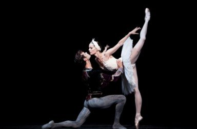 Swan Lake (03). Igone de Jongh and Vito Mazzeo in Rudi van Dantzig's Swan Lake.  Photo © Angela Sterling