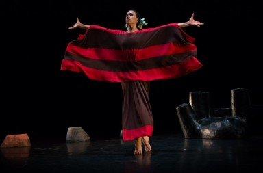 Natasha Diamond-Walker as The Chorus in 'Cave of the Heart'. Photo © Christopher Jones