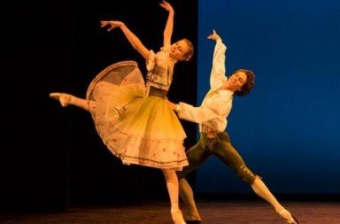 The pas de deux from 'The Flower Festival at Genzano' (here with Ida Praetorius and Andreas Kaas).  Photo © Yi-Chun Wu