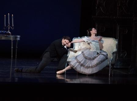Katheen Breen Combes and Yury Yanowsky in 'Lady of the Camellias'.  Photo © Gene Schiavone