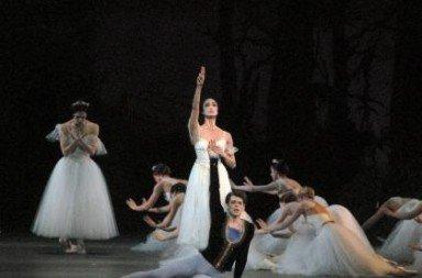Veronika Part, Stella Abrera and Vladimir Shklyarov in Giselle.  Photo MIRA