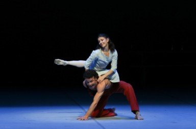 Alina Cojocaru as Solveig and Carsten Jung as Peer Gynt Photo Holger Badekow