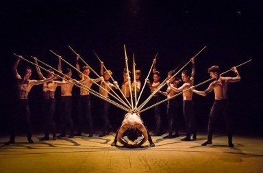 Singapore Dance Theatre in Sticks and Stones by Kinsun Chan Photo Bernie Ng