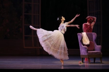"Kristina Shapran debuts in ""Spectre de la Rose"" Photo by Natasha Razina"