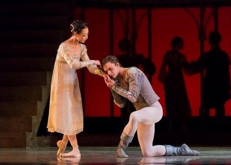 """Oregon Ballet Theater's Xuan Cheng and Peter Franc in """"Romeo & Juliet"""" Photo Yi Yin"""