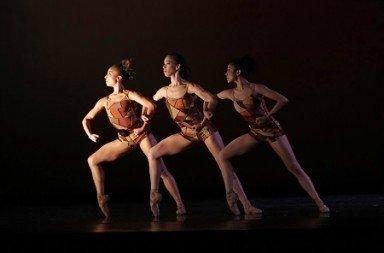 """Dancers of Dance Theatre of Harlem in """"Change"""" Photo Jeff Cravotta"""