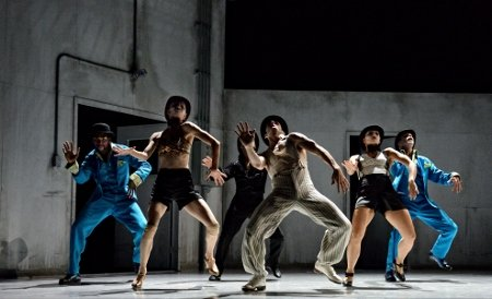 "Kidd Pivot performers in ""Betroffenheit"" Photo Michael Slobodian"