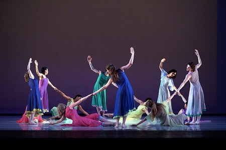 "Mark Morris Dance Group in ""L'Allegro, il Penseroso ed il Moderato"" Photo Javier del Real"