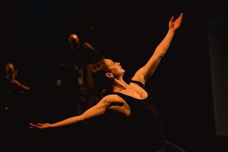 "Stephen Pelton Dance Theatre's Freya Jeffs in ""Lauda Adrianna"" Photo Sean Purser"
