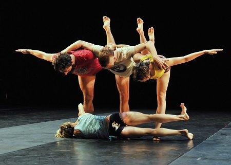 "Ballet Preljocaj Fabrizio Clemente, Baptiste Coissieu, Nuriya Nagimova, Yurié Tsugawa (on floor) in ""Empty moves"" Photo Jean-Claude Carbonne"