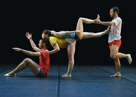 "Ballet Preljocaj Fabrizio Clemente, Nuriya Nagimova, Yurié Tsugawa and Baptiste Coissieu  in ""Empty moves"" Photo Jean-Claude Carbonne"
