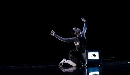 "Erin Drummond in ""Umbilical Pilgrimage 1"" Photo Christopher Stevenson"