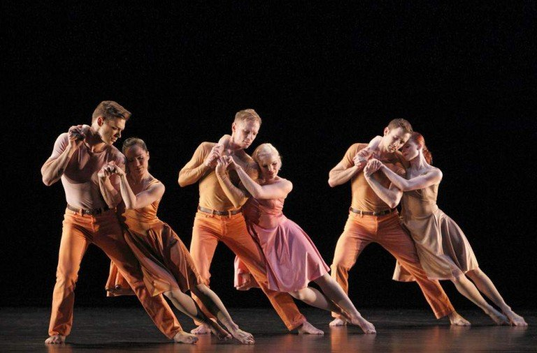 Paul Taylor Dance Company in Esplanade, photo Paul B. Goode