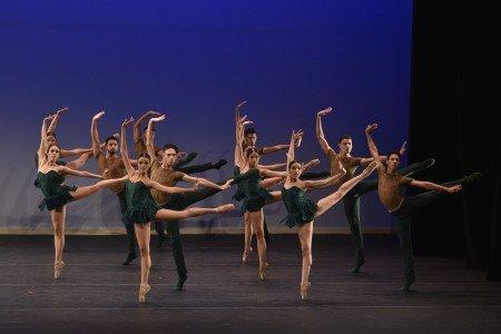 Silencio, Bale do Teatro Escola Basileu Franca Brazil - Ensemble, First Place Photo Siggul/VAM