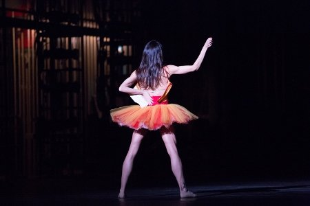 "Pennsylvania Ballet Principal Dancer Amy Aldridge in the premiere of Matthew Neenan's ""Archīva"" Photo Alexander Iziliaev"