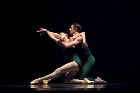 "San Francisco Ballet's Vanessa Zahorian and Luke Ingham in Christopher Wheeldon's ""Continuum"" Photo Erik Tomasson"