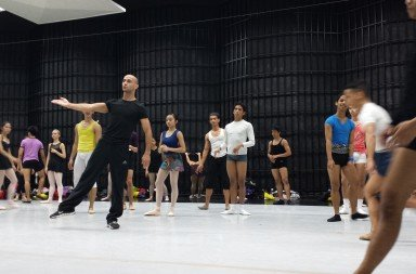 George Birkadze, center, with Ballet Philippines dancers     Photo Courtesy of George Birkadze