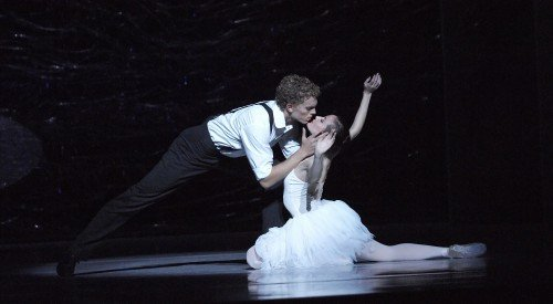 "Adam Bull and Amber Scott in Graeme Murphy's ""Swan Lake"" Photo Jim McFarlane"