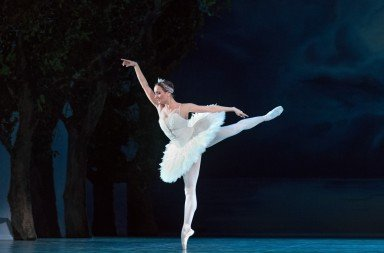 "Ekaterina Oleynik as Odette in ""Swan Lake"" Photo Harri Rospu"