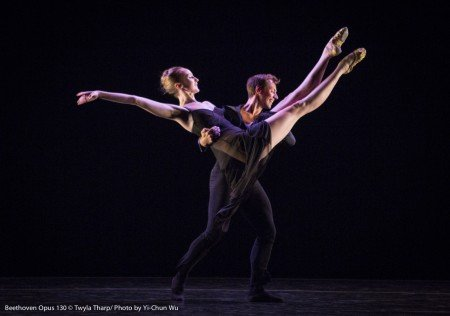 "Kaitlyn Gilliland and Matthew Dibble in ""Beethoven Opus 130"" by Twyla Tharp Photo Yi-Chun Wu"