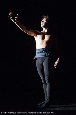 "Matthew Dibble in ""Beethoven Opus 130"" by Twyla Tharp Photo Yi-Chun Wu"