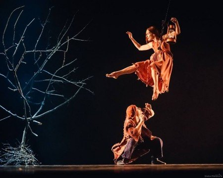 "Provincial Dances Theater dancers in Tatiana Baganova's ""Maple Garden"" Photo Daria Popova; courtesy Provincial Dances Theater"