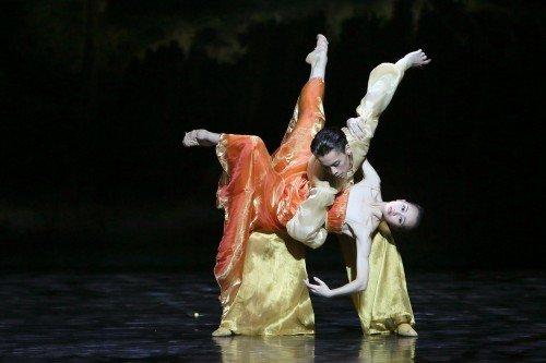 Shanghai Ballet in Echoes of Eternity Wu Husheng and Qi Bingxue Photo Chen Wen