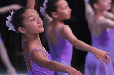 Pacific Northwest Ballet School  Level IV students  in the 35th Annual School Performance     Photo Lindsay Thomas