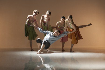 "Marianna Krempeniou, Liam Riddick, Oihana Vesga Bujan, Nancy Nerantzi and Elly Braund of Richard Alston Dance Company in ""Rejoice in the Lamb"" Photo courtesy New York City Center"