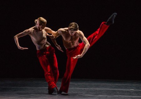 """Dancers of Nederlands Dans Theater in """"Woke up Blind"""" choreographed by Marco Goecke Photo Stephanie Berger"""